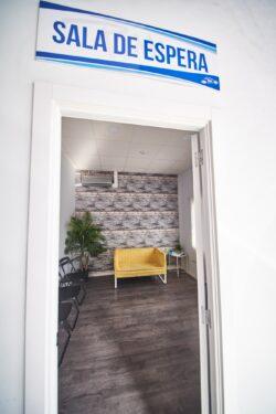 Entrada sala de espera pmk chapa y pintura